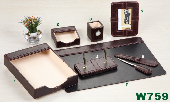 LEATHER DESK TOP SET